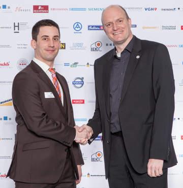HsH-Student erhält 4Com-Förderung - Oliver Bohl (rechts) und Student Jan Rode (links)