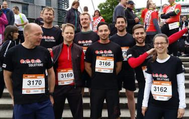 Die 4Com-Läufer trotzten am 26. Mai der kühlen Witterung und schafften die 6,4 Kilometer lange Strecke des B2Run Hannover in 4Com-Rekordzeit!