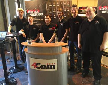 Die 4Com-Azubis stellten sich den Fragen der Schüler zur IT-Ausbildung bei 4Com in Hannover.