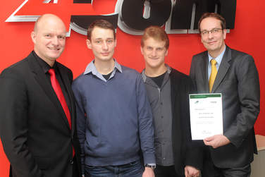 Vorbildliche Anstifter! 4Com unterstützt angehenden Informatiker im Rahmen des WIR-Stipendiums der Hochschule Hannover.